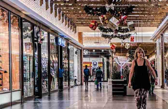 Un centro commerciale, prima del Covid-19