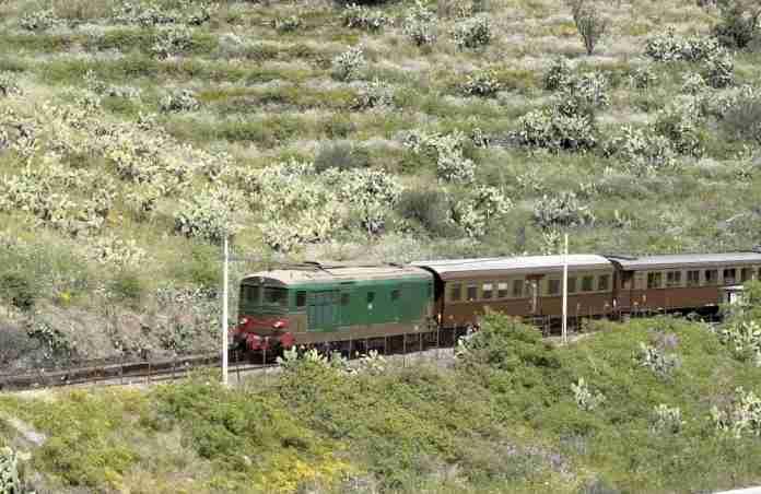 Treno in Sicilia (foto Ferrovie dello Stato)