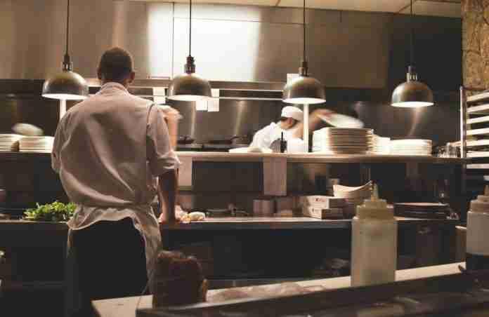 La cucina di un ristorante