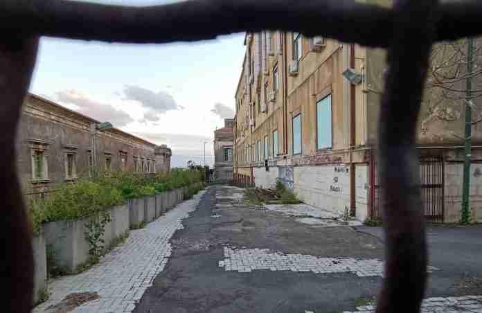 Ospedale Vittorio Emanuele abbandonato