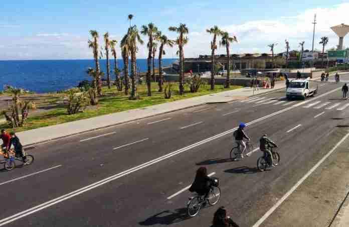 il lungomare di Catania senza auto